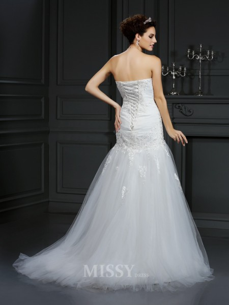 Sheath/Column Strapless Lace Court Train Satin Wedding Dress With Applique