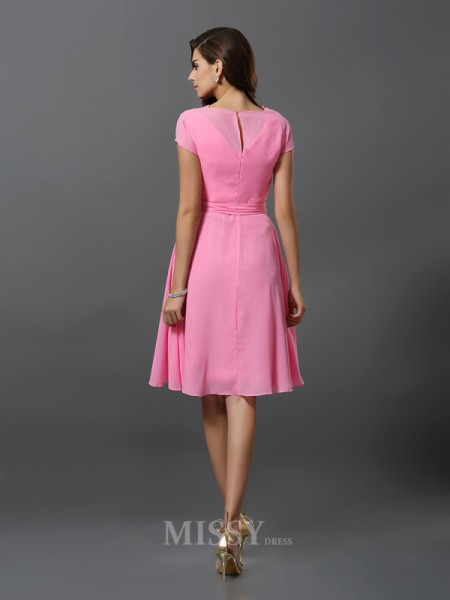 A-Line/Princess Short Sleeves Scoop Chiffon Knee-Length Bridesmaid Dress With Embroidery