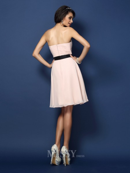 A-Line/Princess Sweetheart Short/Mini Chiffon Bridesmaid Dress With Lace