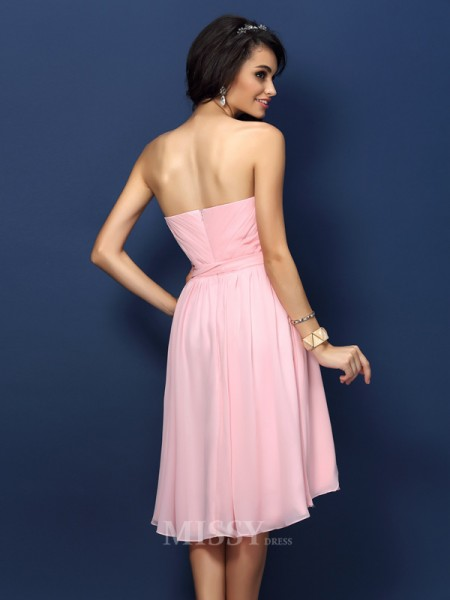 A-Line/Princess Sweetheart Short/Mini Chiffon Bridesmaid Dress With Rhinestone Pleats