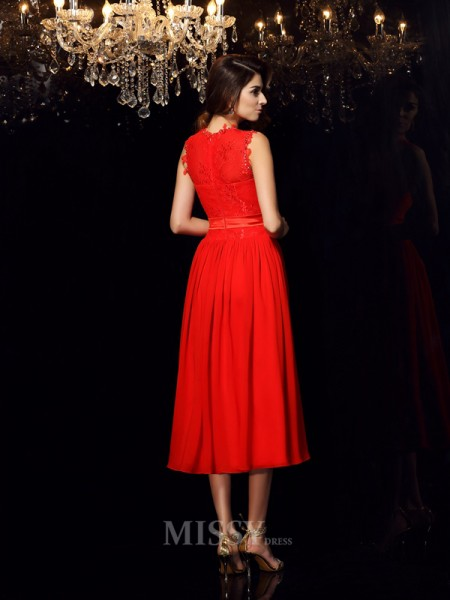 A-Line/Princess High Neck Chiffon Tea-Length Sash/Ribbon/Belt Dress With Beading
