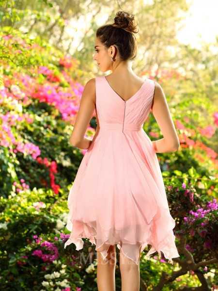A-Line/Princess V-neck Chiffon Knee-Length Bridesmaid Dress With Beading Ruffles