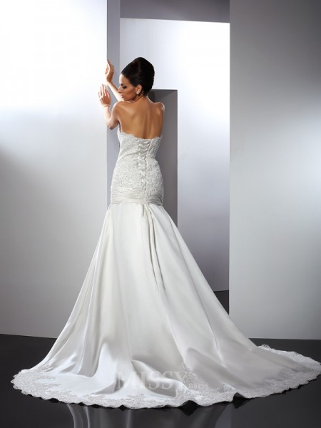 Trumpet/Mermaid Sweetheart Chapel Train Satin Wedding Dress With Ruffles Applique