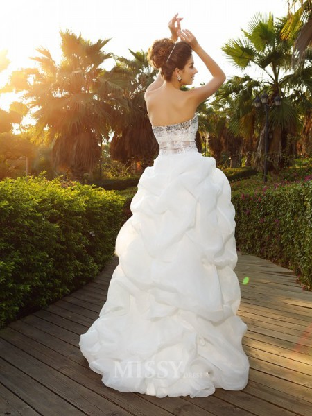 A-Line/Princess Sweetheart Asymmetrica Organza Wedding Dress With Lace Beading