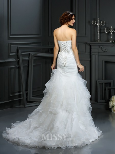 Trumpet/Mermaid Sweetheart Court Train Organza Wedding Dress With Lace Beading