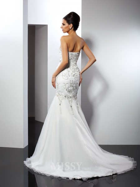 Trumpet/Mermaid Strapless Chapel Train Satin Wedding Dress With Embroidery Applique