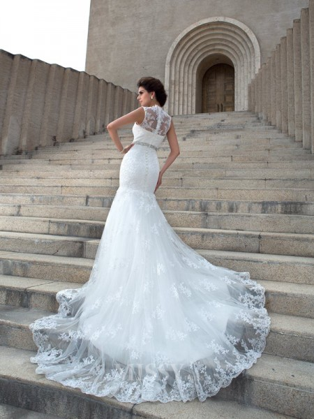 Trumpet/Mermaid V-neck Chapel Train Lace Wedding Dress With Beading Applique