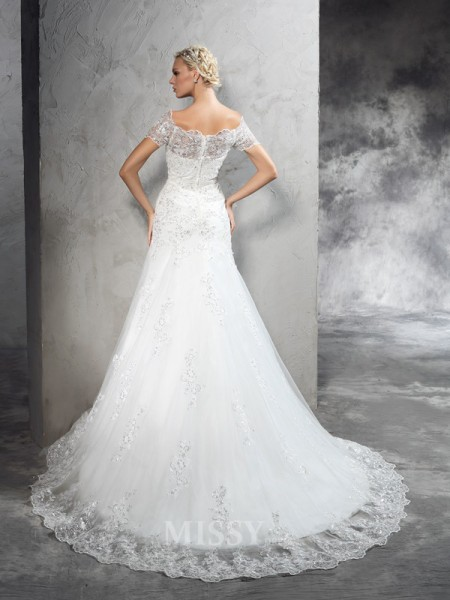 Sheath/Column Off-the-Shoulder Short Sleeves Court Train Net Wedding Dress With Pleats Applique