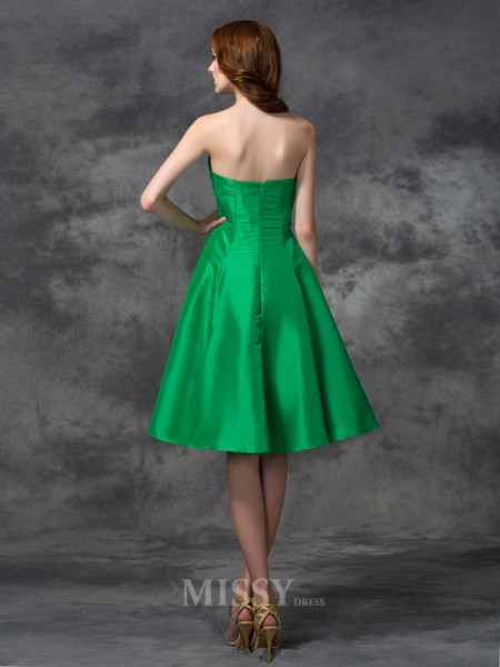 A-line/Princess Sweetheart Knee-length Taffeta Bridesmaid Dress With Beading