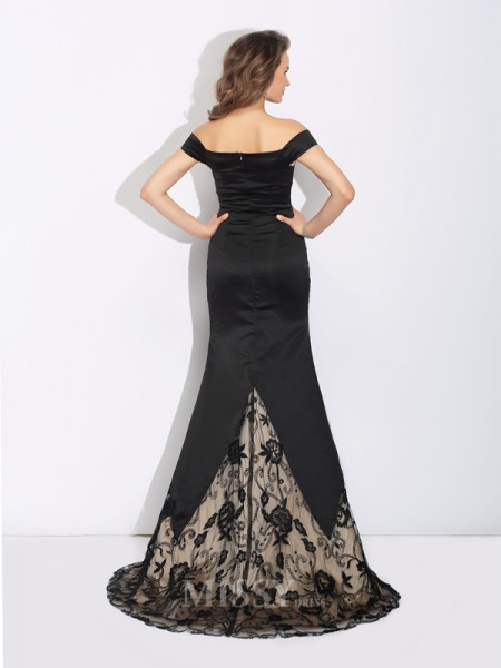 Trumpet/Mermaid Off-the-Shoulder Lace Sweep/Brush Train Satin Dress With Beading