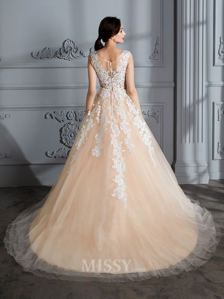 Ball Gown Scoop Tulle Sleeveless Court Train Wedding Dress