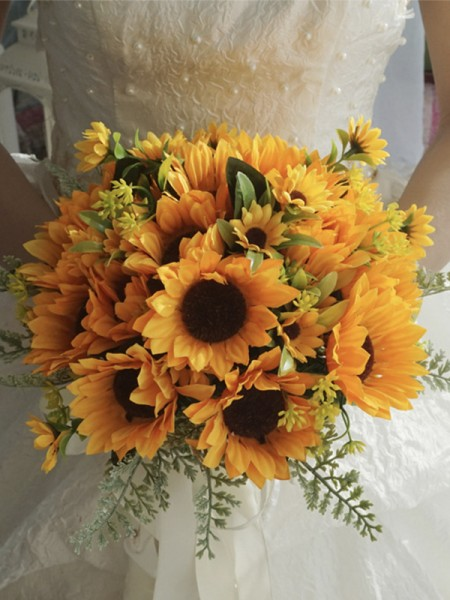 Free-Form Silk Flower Lovely Bridal Bouquets