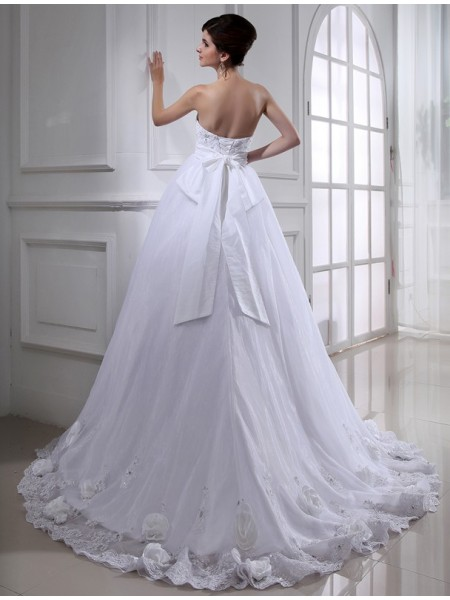 Ball Gown Sash/Ribbon/Belt Hand-Made Flower Beading Strapless Chapel Train Sleeveless Organza Wedding Dresses