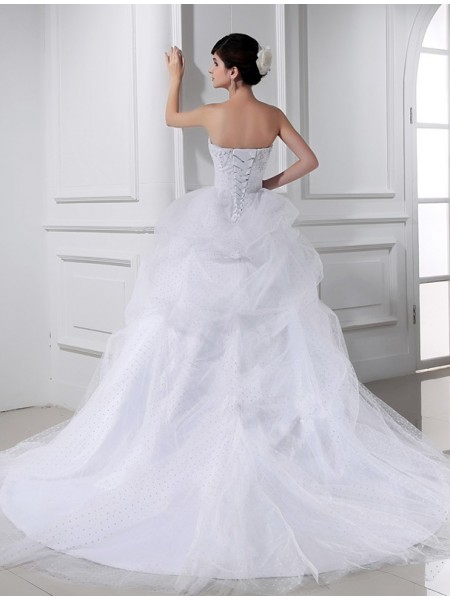 Ball Gown Beading Applique Sweetheart Chapel Train Sleeveless Satin Tulle Wedding Dresses