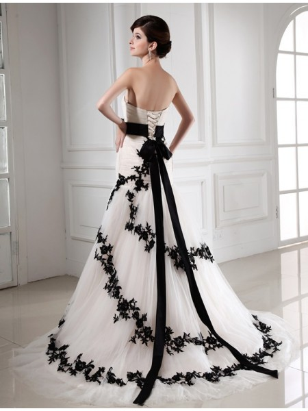 Trumpet/Mermaid Beading Applique Sweetheart Court Train Sleeveless Satin Tulle Wedding Dresses