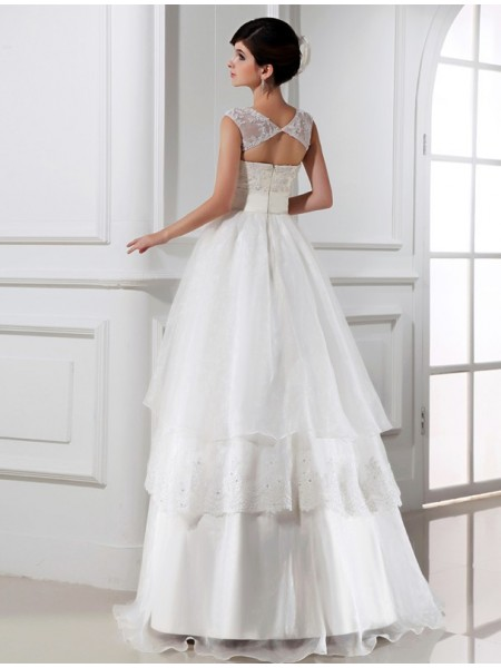 A-Line/Princess Hand-Made Flower Beading Lace High Neck Floor-Length Sleeveless Organza Lace Wedding Dresses
