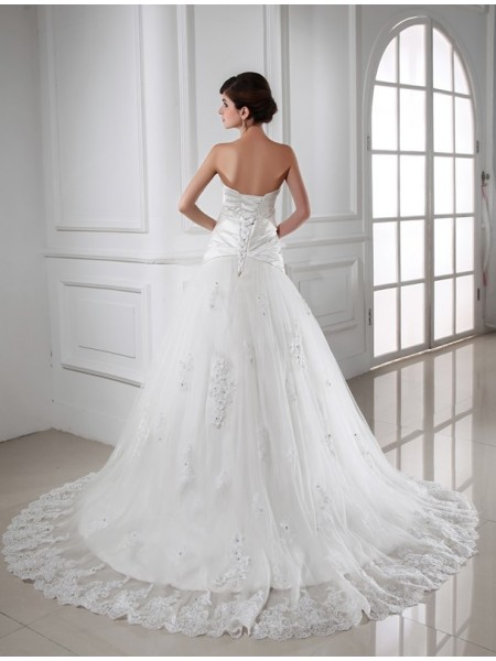 A-Line/Princess Beading Applique Sweetheart Chapel Train Sleeveless Satin Tulle Wedding Dresses