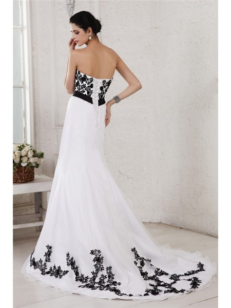 A-Line/Princess Sash/Ribbon/Belt Embroidery Sweetheart Court Train Sleeveless Net Satin Wedding Dresses