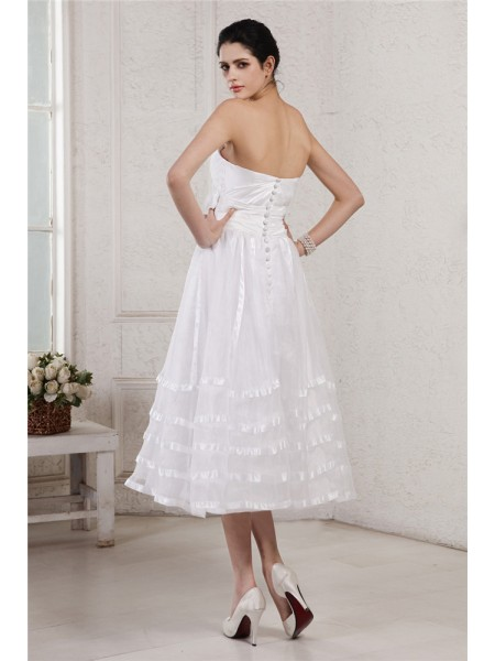 A-Line/Princess Pleats Hand-Made Flower Strapless Tea-Length Sleeveless Taffeta Organza Wedding Dresses