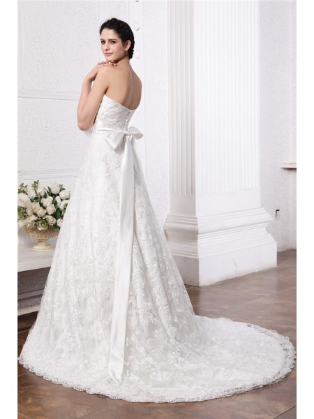 A-Line/Princess Sash/Ribbon/Belt Sweetheart Chapel Train Sleeveless Lace Wedding Dresses
