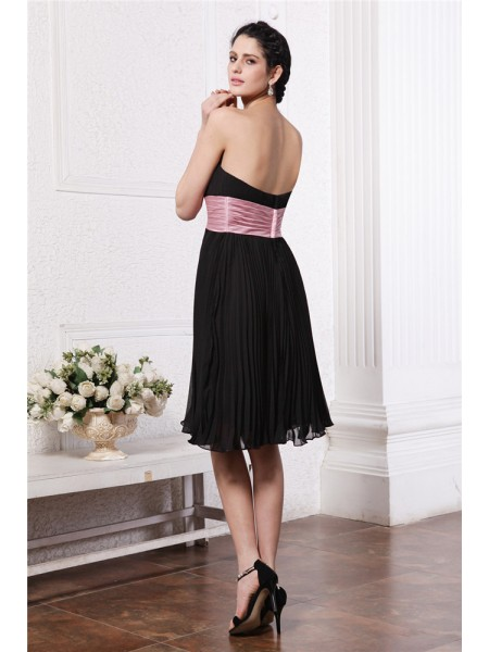 A-Line/Princess Sash/Ribbon/Belt Beading Strapless Knee-Length Sleeveless Chiffon Bridesmaid Dresses