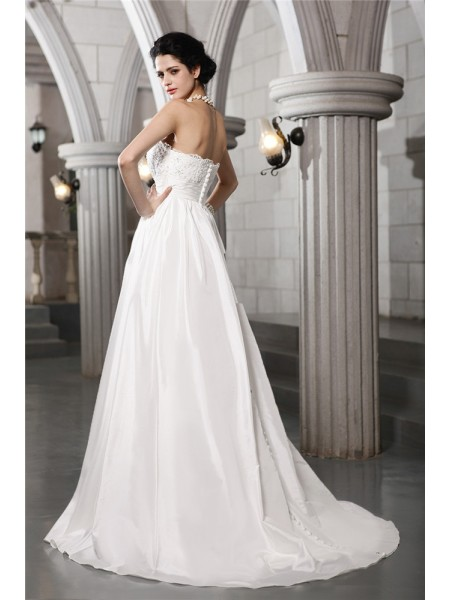 A-Line/Princess Beading Applique Strapless Court Train Sleeveless Taffeta Wedding Dresses