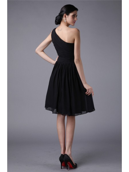 Sheath/Column Pleats One-Shoulder Knee-Length Sleeveless Chiffon Bridesmaid Dresses