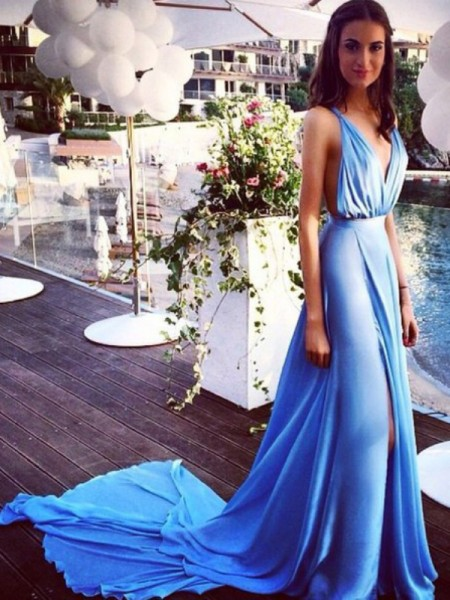 A-Line/Princess Chiffon Spaghetti Straps Sleeveless Court Train Pleats Dresses