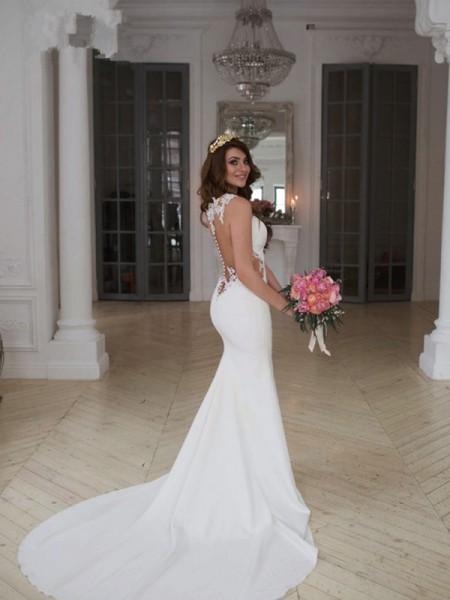 Trumpet/Mermaid Scoop Sleeveless Sweep/Brush Train Applique Wedding Dresses With Lace