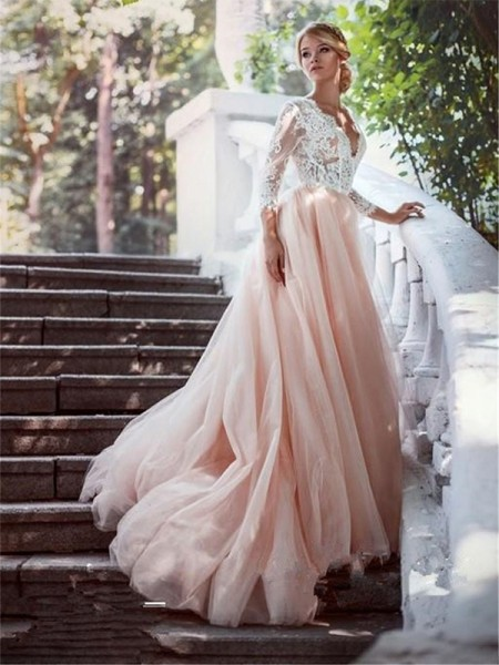 Ball Gown Court Train Long Sleeves V-neck Applique Tulle Wedding Dresses