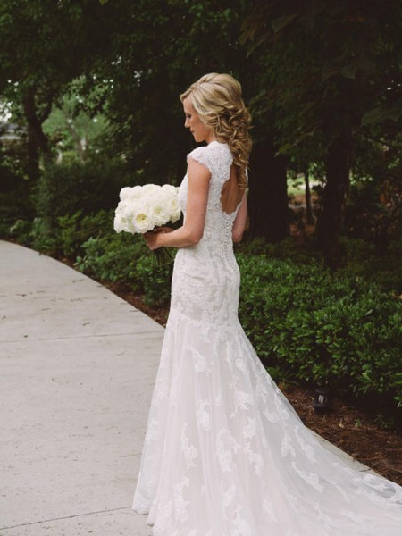 Sheath/Column Short Sleeves Applique V-neck Court Train Wedding Dresses With Lace