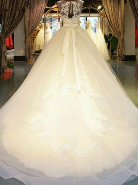 Ball Gown Off-the-Shoulder Sweep/Brush Train Sash/Ribbon/Belt Sleeveless Beading Applique Lace Wedding Dresses