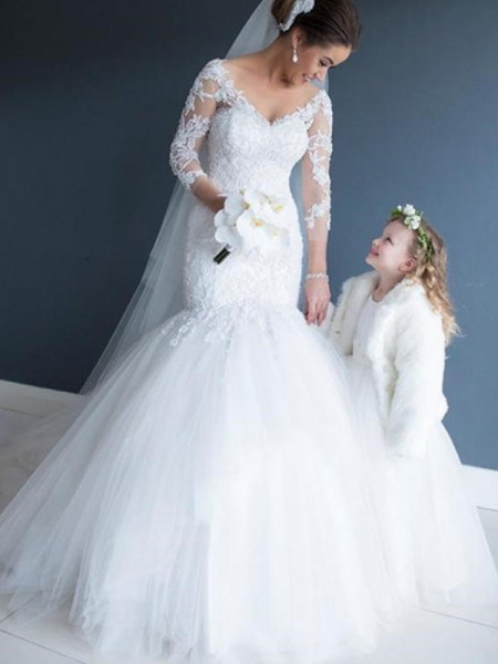 Trumpet/Mermaid Tulle Lace 3/4 Sleeves V-neck Court Train Wedding Dresses