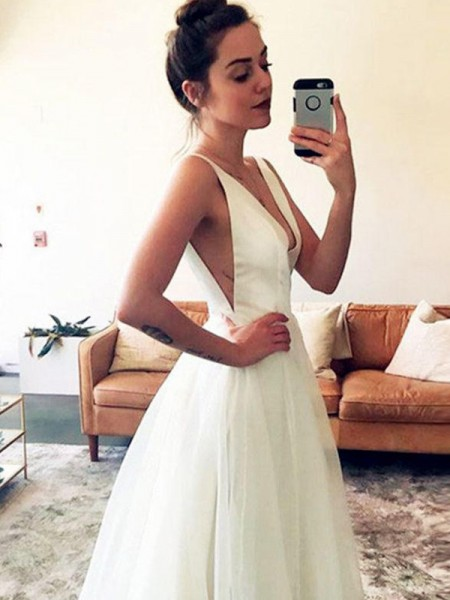 A-Line/Princess Sleeveless Tulle Ruched V-neck Sweep/Brush Train Wedding Dresses