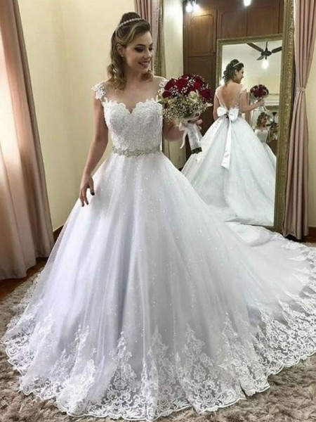 Ball Gown Beading Sleeveless Tulle Sweetheart Court Train Wedding Dresses