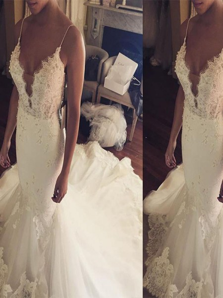 Trumpet/Mermaid Tulle Spaghetti Straps Sleeveless Court Train Wedding Dresses