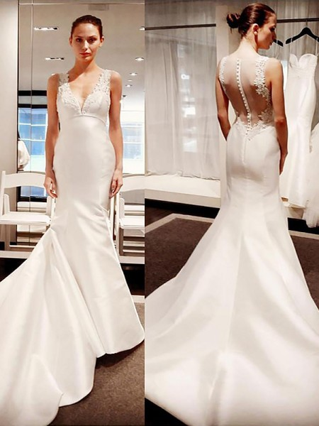 Trumpet/Mermaid Satin V-neck Sleeveless Court Train Wedding Dresses