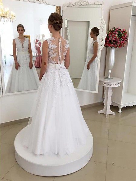 Trumpet/Mermaid Lace Scoop Sleeveless Floor-Length Wedding Dresses